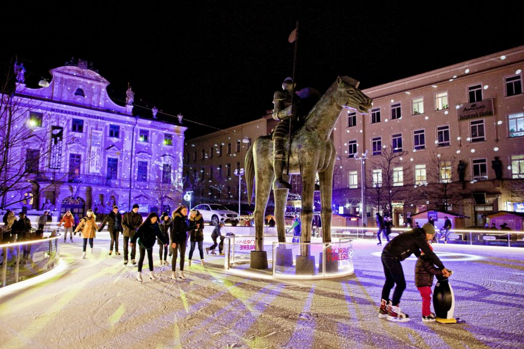 Wo Stand Der Erste Weihnachtsbaum.Wo Der Erste Weihnachtsbaum Tschechiens Stand Reiseberichte