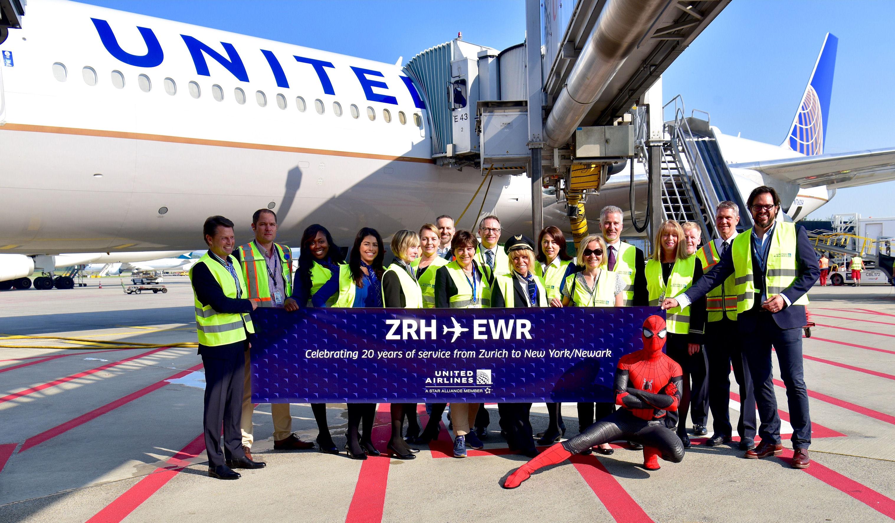 United Airlines Jubiläum In Der Schweiz Und